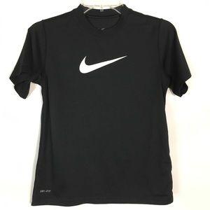 🌻 Nike Dri-Fit Black Short Sleeve Shirt